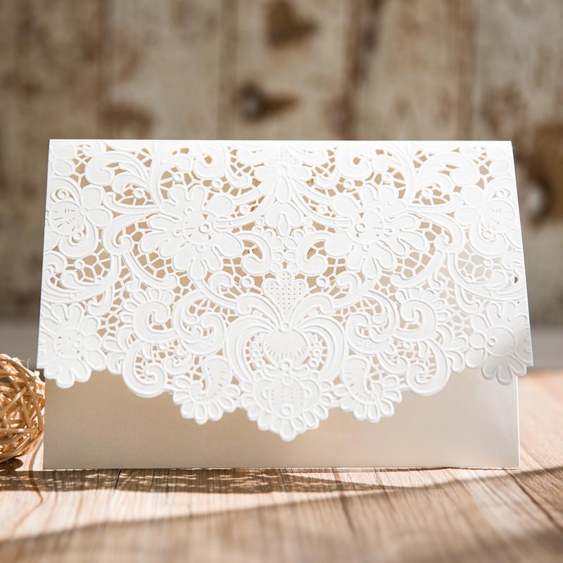 magnifique pochette en dentelle pour faire part de mariage. Black Bedroom Furniture Sets. Home Design Ideas